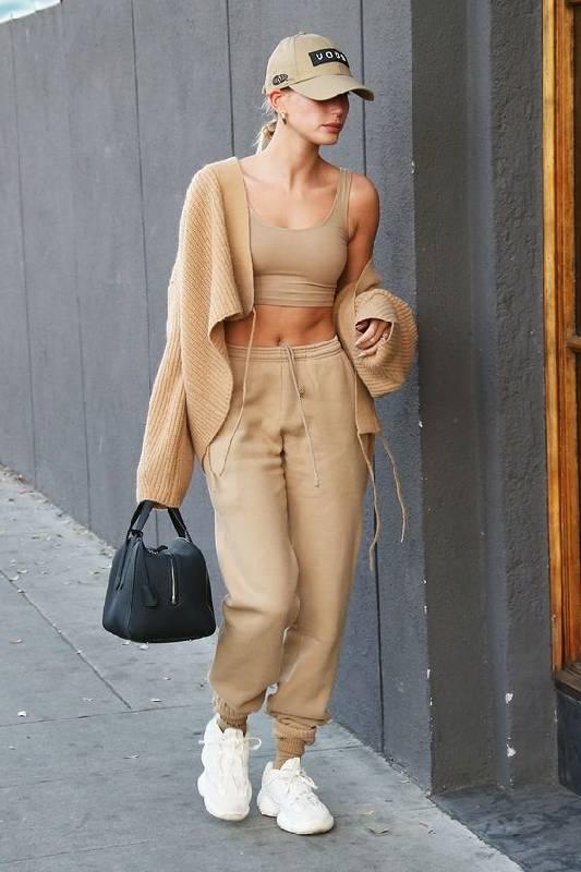 look streetwear jogging