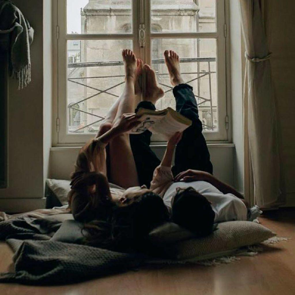 Voici comment le sommeil affecte vos relations, selon la science