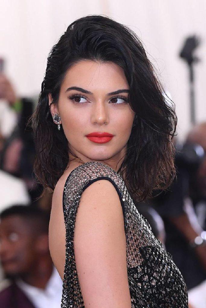Les 13 plus beaux looks beauté de Kendall Jenner au fil des ans