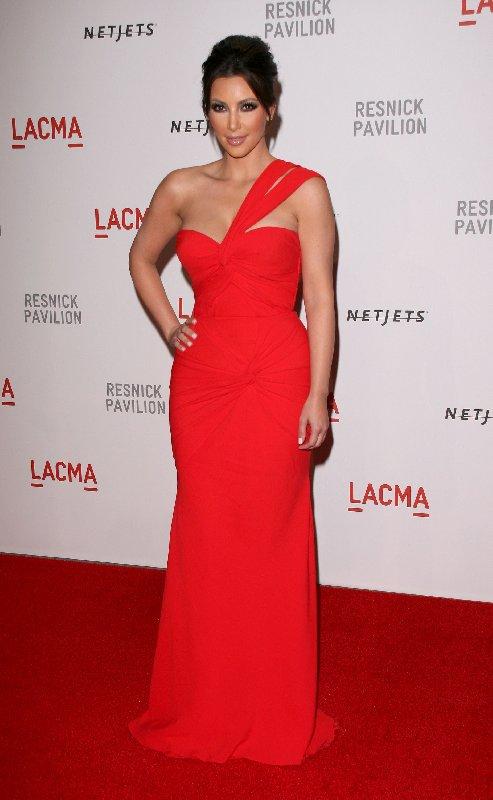 Style Kim Kardashian sur le tapis rouge - Robe rouge