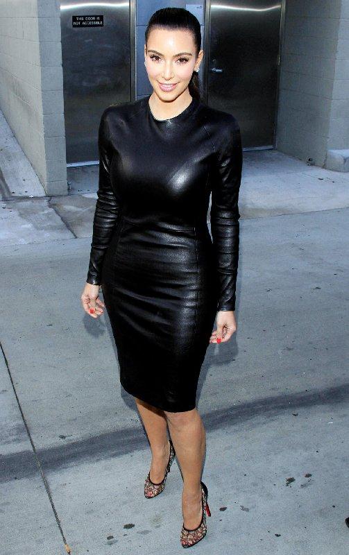 Robe en cuir noir de Kim Kardashian
