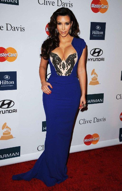Robe bleue Kim Kardashian