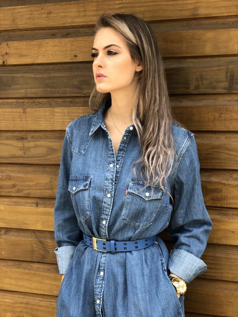 Levi's : cette robe chemise en jean tendance à prix cassé incontournable pour cette saison